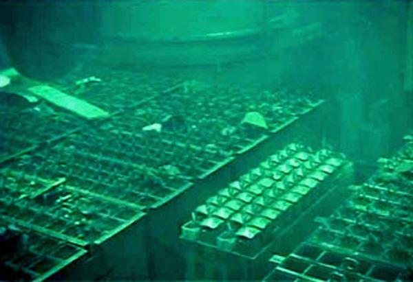 写真はイメージ(福島第1原発4号機の使用済み燃料プール、東京電力提供)