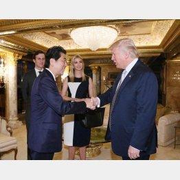 オバマ米大統領をすっ飛ばし、トランプ氏に会う安倍首相(C)内閣広報室提供・ロイター