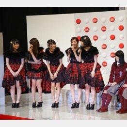 SMAP不在で迷走…(写真はAKB48)/(C)日刊ゲンダイ