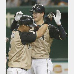 中田(左)と大谷、同時流出は避けたいが…(C)日刊ゲンダイ