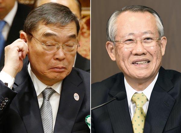 籾井会長(左)から上田新会長へ(C)共同通信社