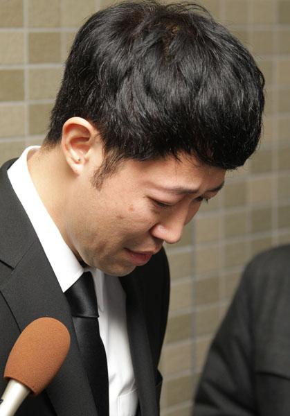 涙を見せた小籔千豊(C)日刊ゲンダイ