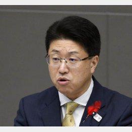 都議会自民党との「決別」宣言した東村幹事長(C)日刊ゲンダイ