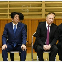 安倍首相とプーチン大統領(C)JMPA