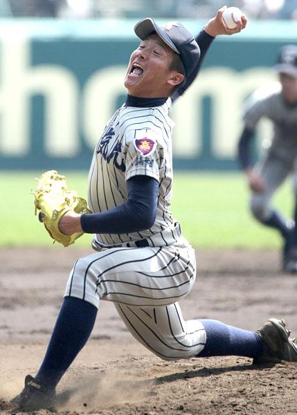遊撃手の平沼は15年春のセンバツ投手(C)日刊ゲンダイ
