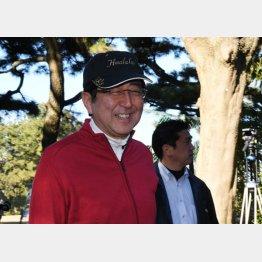 正月休みもゴルフを満喫(C)日刊ゲンダイ