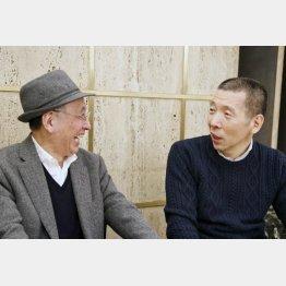 柳亭市馬(右)と吉川潮/(C)日刊ゲンダイ