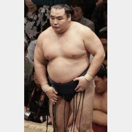 休場を決めた鶴竜(C)日刊ゲンダイ