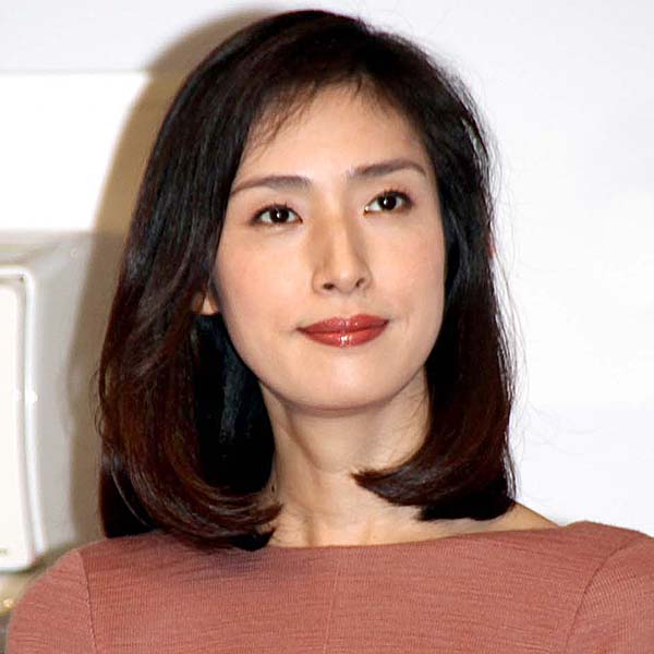 「女王の教室」で主演を務めた天海祐希(C)日刊ゲンダイ
