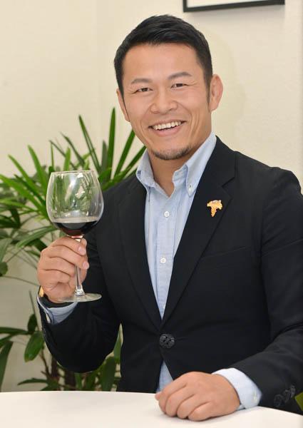 多才すぎる須藤元気さん(C)日刊ゲンダイ