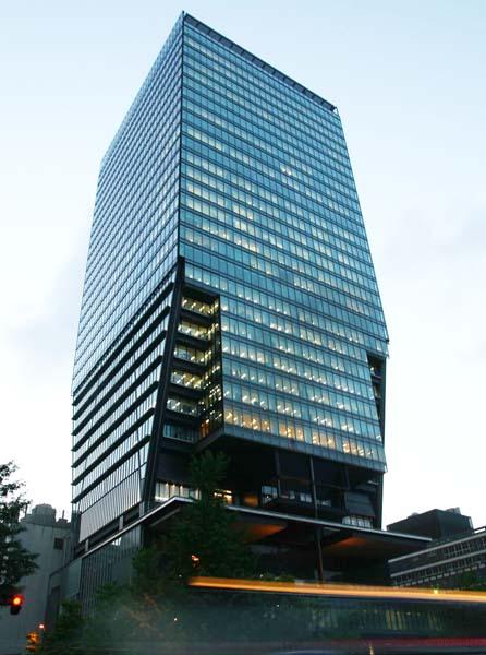 出向のままで…(産経新聞本社)/(C)日刊ゲンダイ