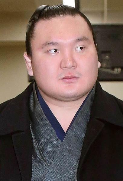 花相撲とはいえ初戦敗退でファンも失望(C)日刊ゲンダイ