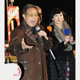 「まつり」を熱唱する北島三郎(C)日刊ゲンダイ