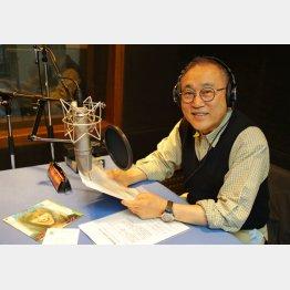 「お宝POPS」のスタジオで(C)日刊ゲンダイ
