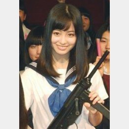 解散を「一人一人の卒業」と表現した橋本環奈(C)日刊ゲンダイ