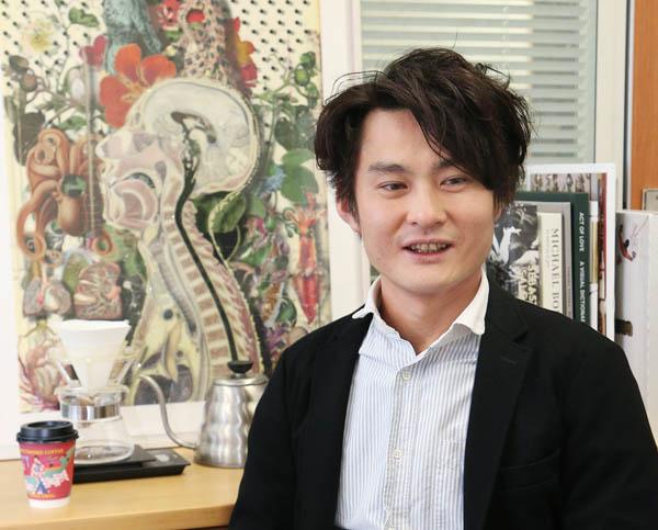 猿田彦珈琲のオーナー・大塚朝之さん(C)日刊ゲンダイ