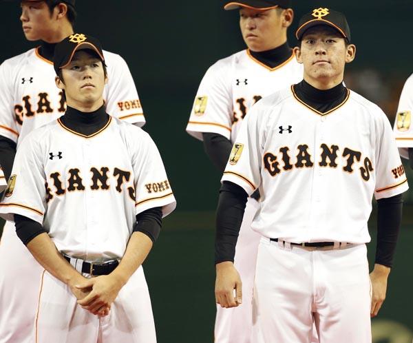 2人は早くも正念場(前列左から重信、桜井)(C)日刊ゲンダイ