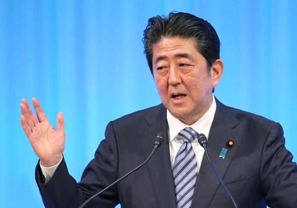 安倍首相は「18年秋」の意向(C)日刊ゲンダイ