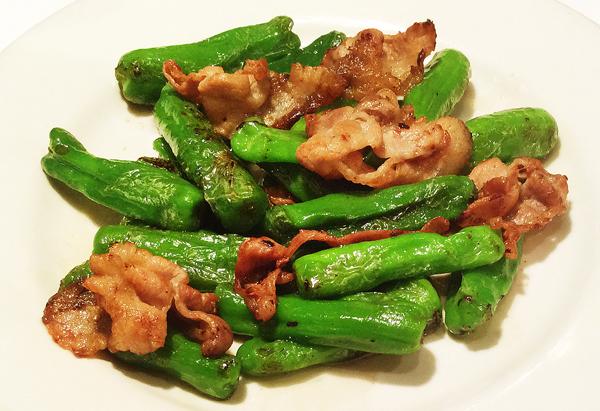 豚肉とシシトウガラシの炒め物(C)日刊ゲンダイ