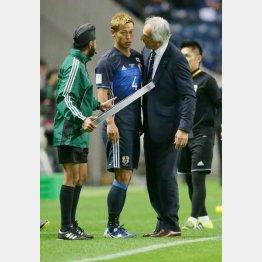 16年11月のW杯予選サウジ戦で本田は後半から出場(C)Norio ROKUKAWA/Office La Stradada