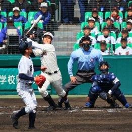 明徳義塾戦では4打数1安打(C)日刊ゲンダイ