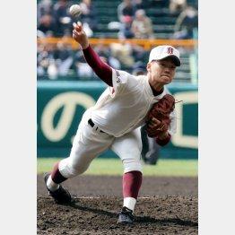 福岡大大濠の三浦投手は15回196球を投げ抜いた(C)日刊ゲンダイ