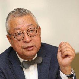 上場準備中の危機を乗り切った小林会長(C)日刊ゲンダイ