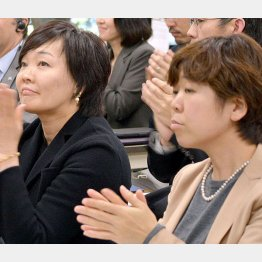 昭恵首相夫人と谷査恵子氏(C)日刊ゲンダイ