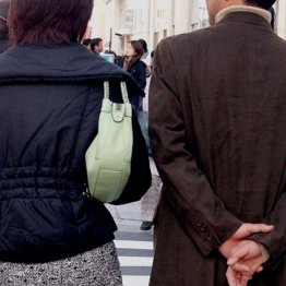 夫婦生活ナシでもうまくいく 離婚の分岐点は年収1000万円