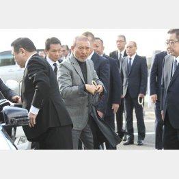 6代目山口組の司忍組長(央)/(C)日刊ゲンダイ