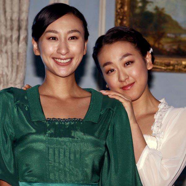 姉の舞(左)は一足はやく芸能界で活躍中(C)日刊ゲンダイ