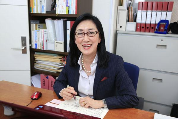 選挙コンサルタントの鈴鹿久美子さん(C)日刊ゲンダイ