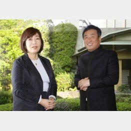 林真理子氏と三枝成彰氏(C)日刊ゲンダイ