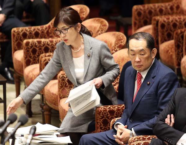 問題大臣だらけ(C)日刊ゲンダイ