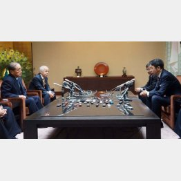 今年1月には東電トップとの初面談で「福島原発事故の検証に数年はかかる」と伝えた(C)日刊ゲンダイ