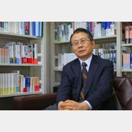 法政大学教授を務めるエコノミスト・水野和夫氏(C)日刊ゲンダイ