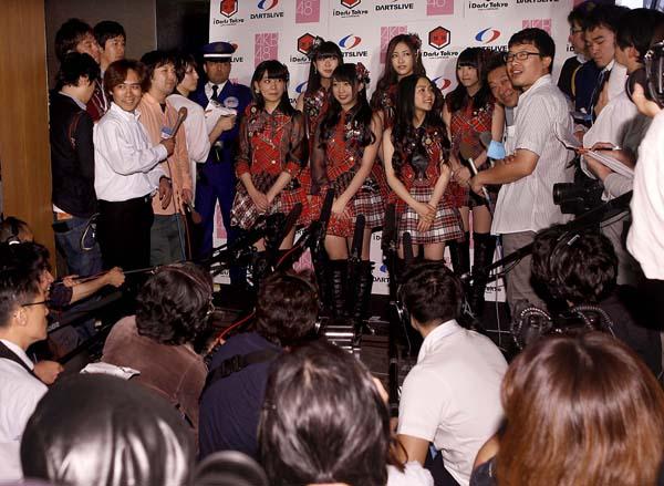 AKB48は劇場からテレビに進出(C)日刊ゲンダイ