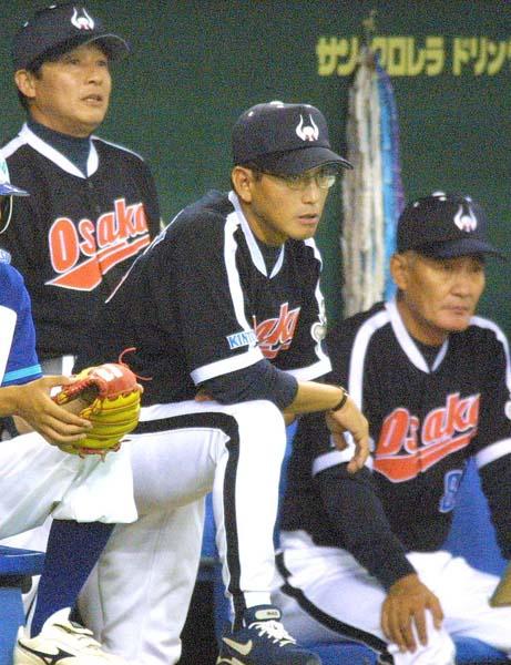 左から梨田監督、真弓、伊勢コーチ(C)日刊ゲンダイ