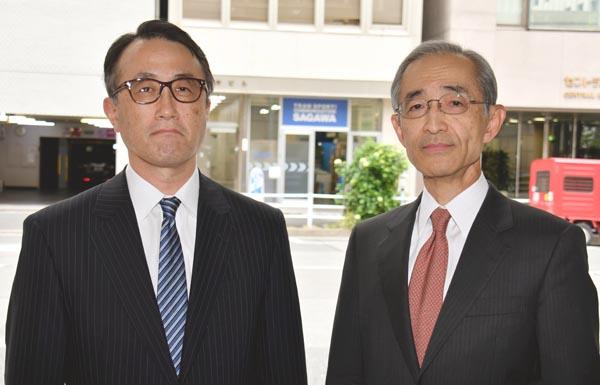 急きょ頭取に就任する三毛兼承副頭取(左)と平野信行CEO(C)日刊ゲンダイ