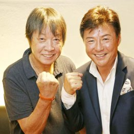 三原綱木(左)と江木俊夫(C)日刊ゲンダイ