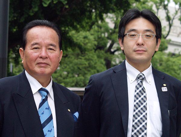 齋藤正理事長(左)と高橋常幸常任理事(C)日刊ゲンダイ