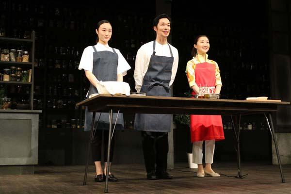 左から、小野ゆり子、浜田信也、村岡希美 (撮影・田中亜紀)