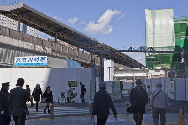17年4月にも、川崎市の京急電鉄の踏切で事故があった(C)日刊ゲンダイ