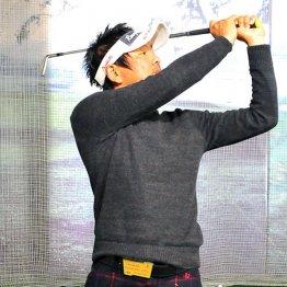 力みをなくしてより流動的なゴルフスイングを実践しよう