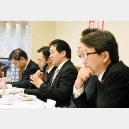 自民党ブレーンの竹中平蔵氏(央)/(C)日刊ゲンダイ