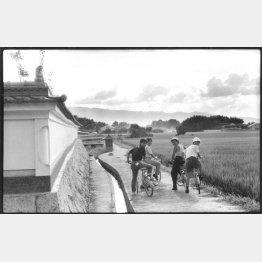 右から順に、いとうせいこう、竹中直人、大竹まことの当時のマネージャー、本人(提供写真)