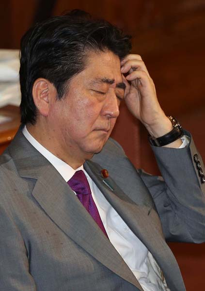 安倍首相は焦りが如実に(C)日刊ゲンダイ