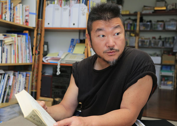 上田勝彦さんは現在「ウエカツ水産」社長/(C)日刊ゲンダイ