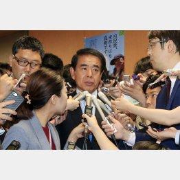 下村元文科相は収支報告書に記載義務はないと否定(C)日刊ゲンダイ