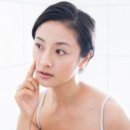 """女性のイヤな""""赤ら顔""""を直接ケア 驚きの化粧水とは?"""